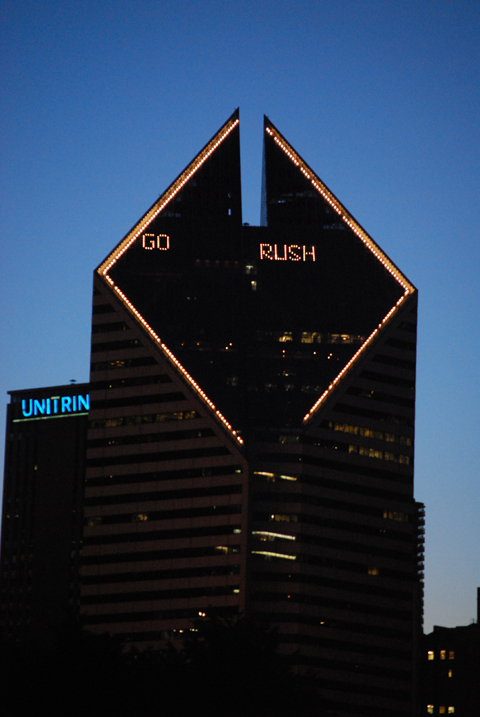 "Smurfit-Stone Building says ""Go Rush.\"""